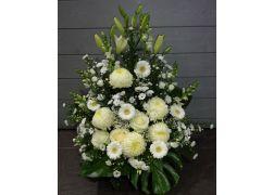 Coupe conique de fleurs variées